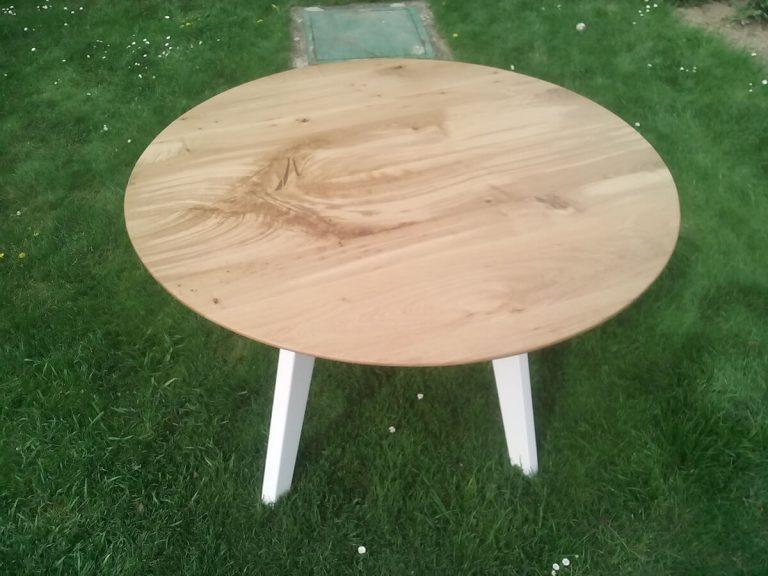 Okrúhly stôl